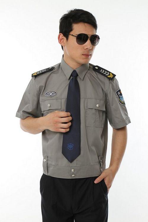 时尚保安服·