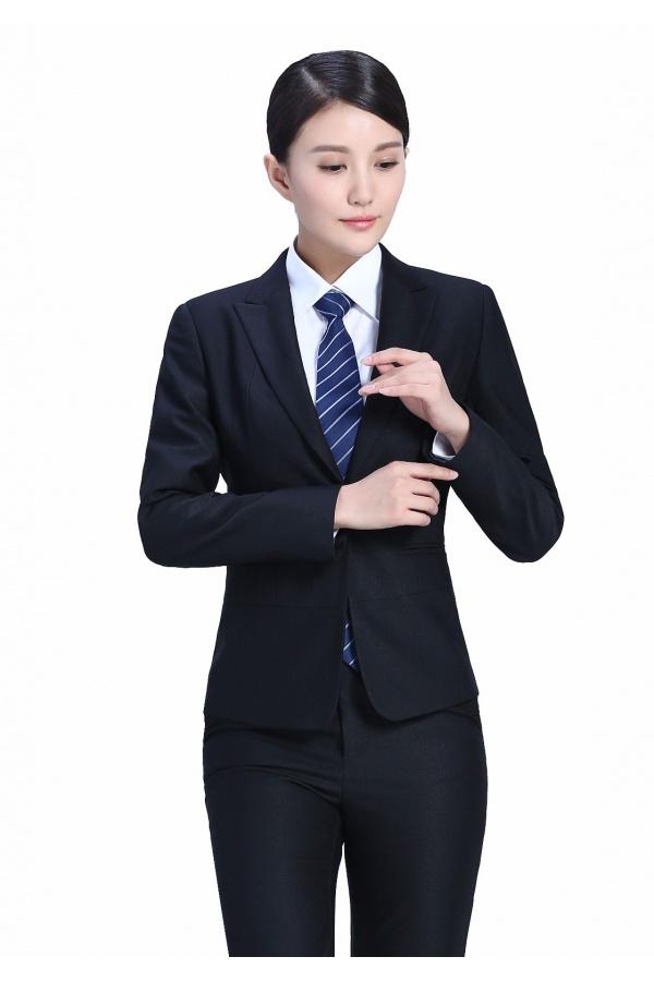年轻人不会穿搭定制西服怎么办,定制西服如何搭配